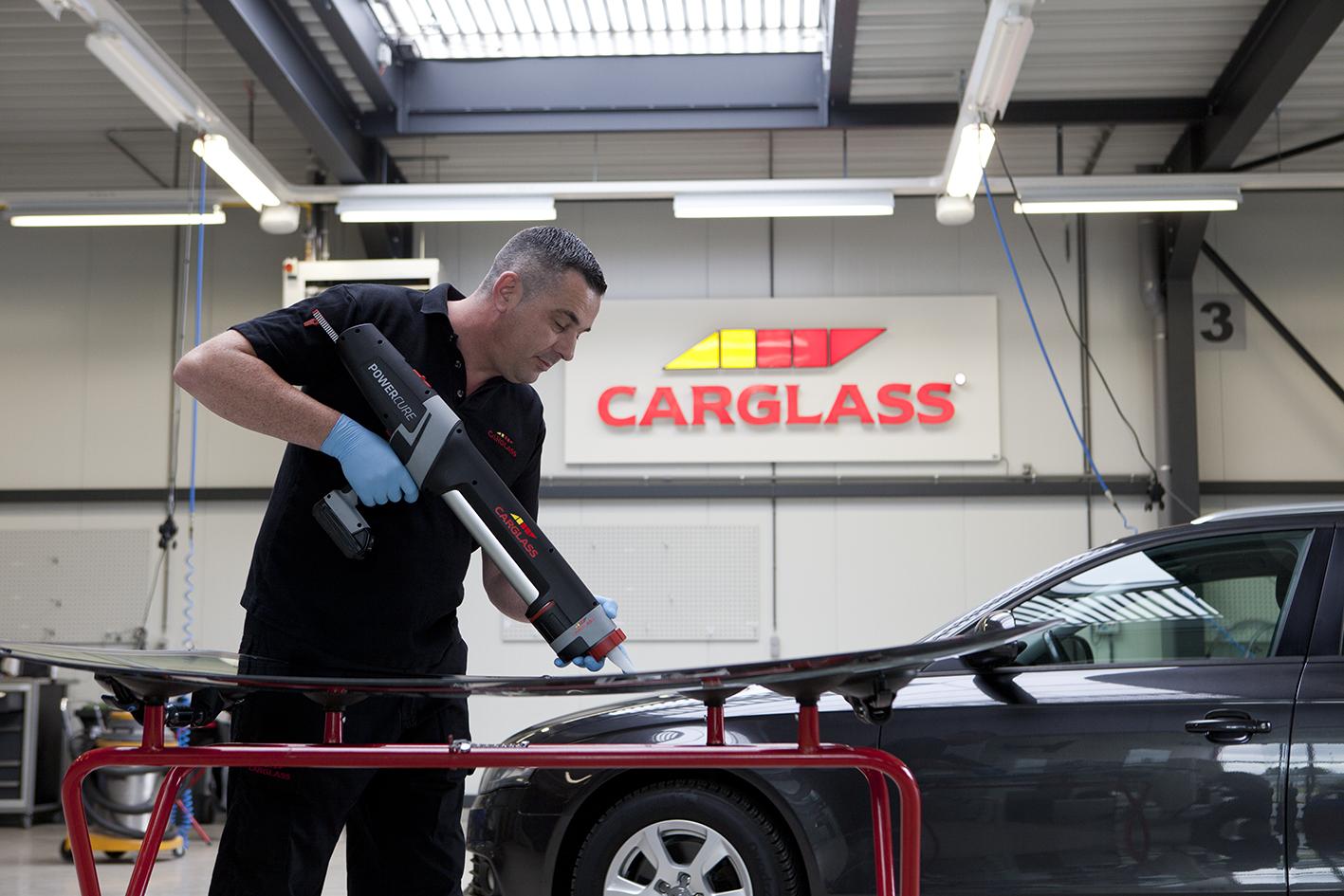 Carglass_sneldrogende_lijm